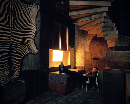 Adrian Ghenie photographed in her studio in Berlin Mitte © Oliver Mark